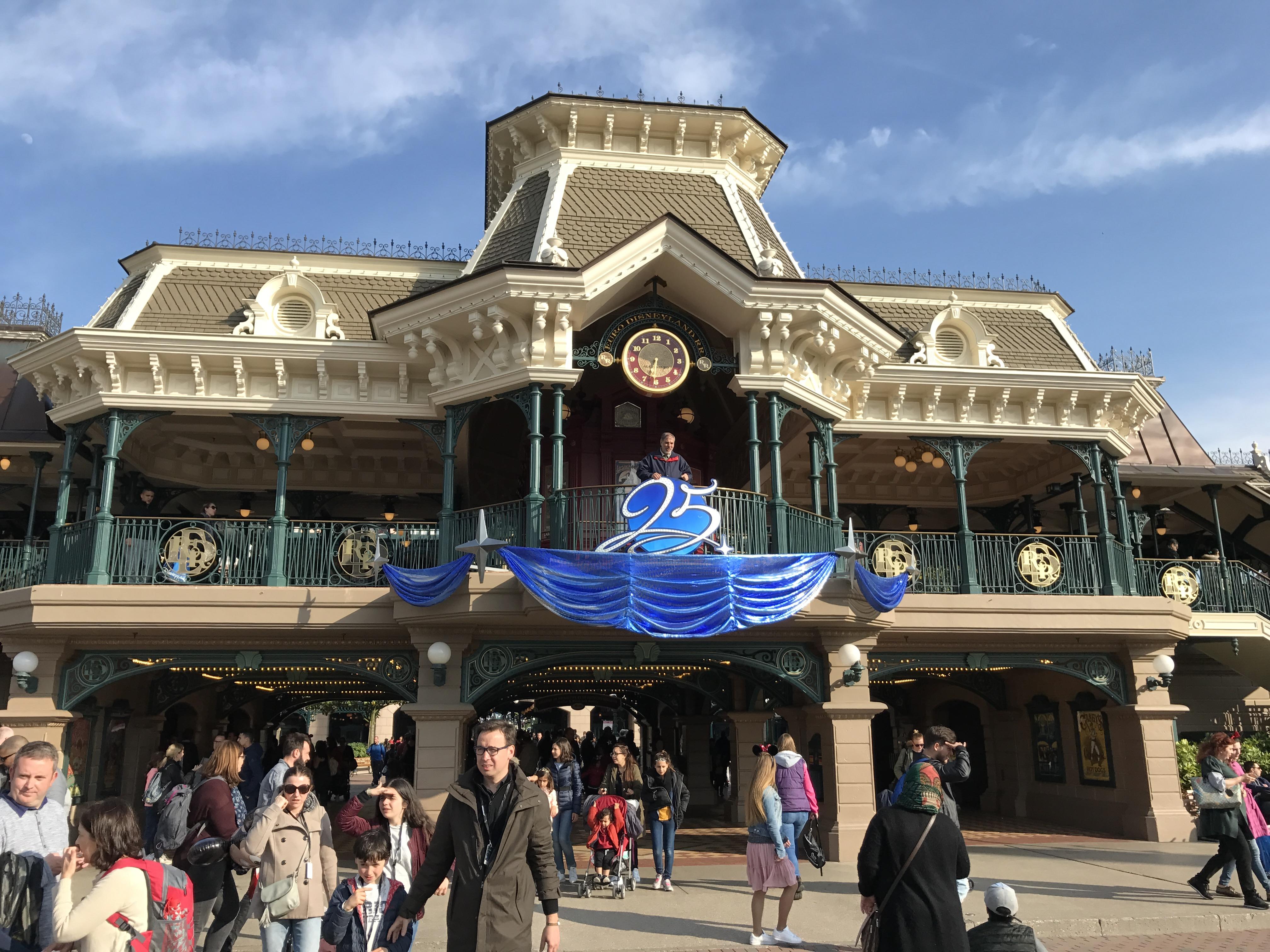 Disneyland Paris 25th Anniversary Main Street